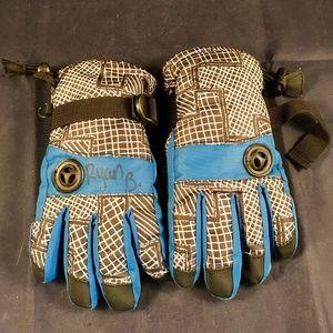 Nice boys thinsulate waterproof gloves & skull hat